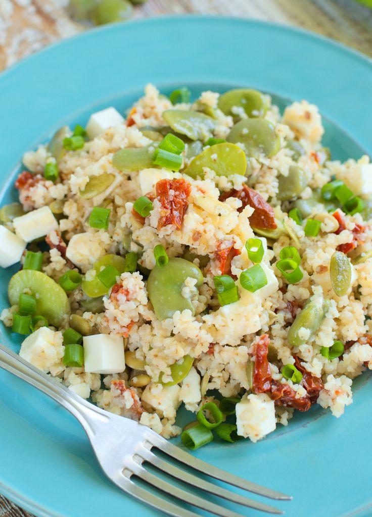 Sałatka z kaszą jaglaną, bobem, fetą i suszonymi pomidorami