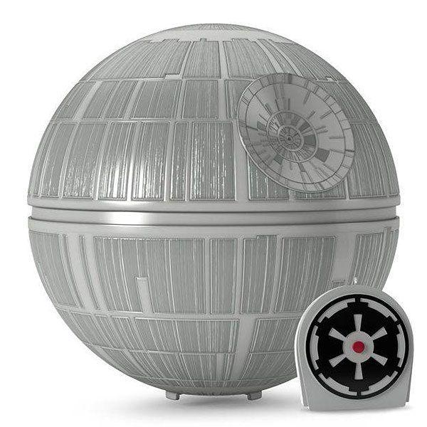 Galaxy Fantasy: Adorna tu árbol de Navidad con una estrella de la muerte de Star Wars