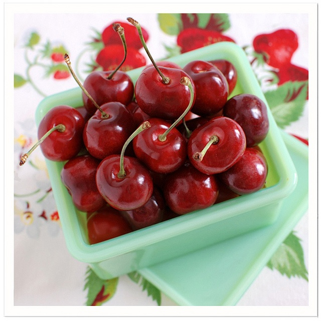 Jadite Bowl of Cherries... love these colors. Just like my mother's kitchen! ♥
