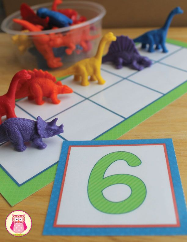 Ten frame number activity can be used in many different ways. Kids can make a number set with thematic counters, the ten frame game board, and the number cards. A perfect math center activity for preschool, pre-k, early childhood education and kindergarten. https://www.teacherspayteachers.com/Product/Math-Activities-Five-and-Ten-Frame-Fun-2386304