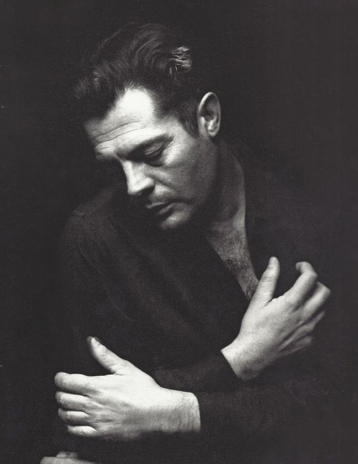 Marcello Mastroianni, Algeria, 1967, photo by Pierluigi Praturlon!       Aline Creativity is expressed in the curve of the hand