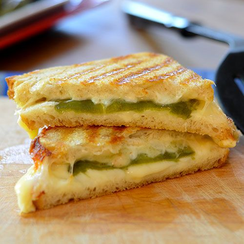 Hatch Chili Grilled Cheese - Feed Your Soul Too #sandwich #grilledcheese