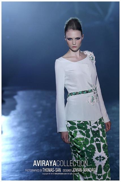 Baju Kurung - AviRaya Collection By Jovian Mandagie