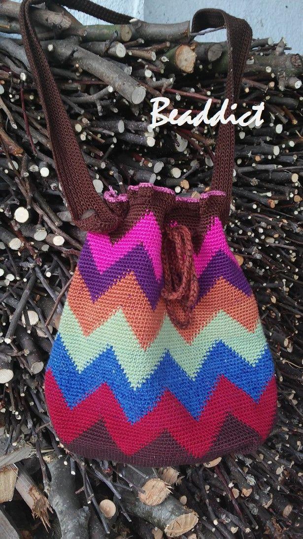 Wayuu bag. Designed and crocheted by Beaddict.