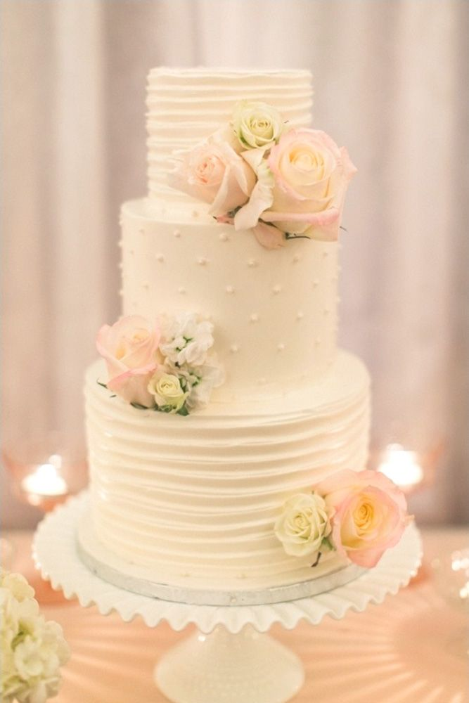 simple romantic white bridal cakes 4