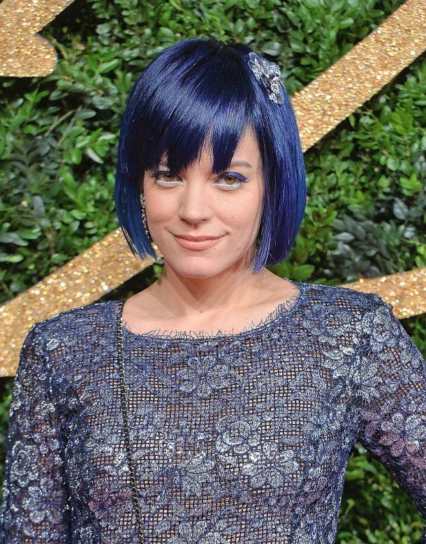 Lily Allen com cabelo azul