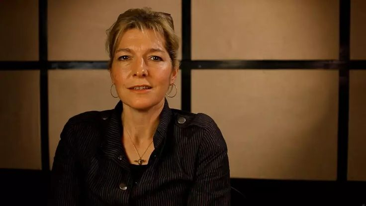 Jemma Redgrave reading Sonnet 5 'Those hours that with gentle work did frame' on Vimeo