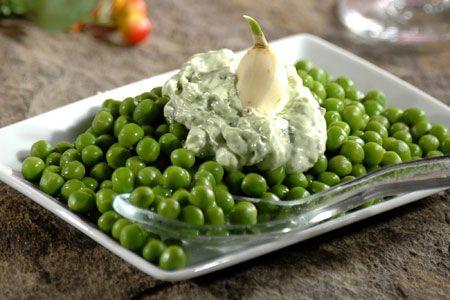 Ένα ολόκληρο μενού με πάθος από τη σεφ Σοφία Στάμου: Αλμυρό γιαουρτοκέικ με πιπεριές & τυριά - Αρακάς με μους πατάτα - Κοτόπουλο κρασάτο & αγγουροσαλάτα λεμονομουσταρδάτη! Μμμ... | eirinika.gr