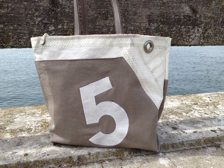 sail bag made of recycled sailcloth by Rough Element