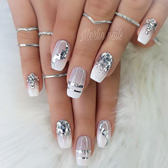 Komplizierte Designs mit eleganten Streifen Es gibt viele Designs zu elegant – Fingernägel