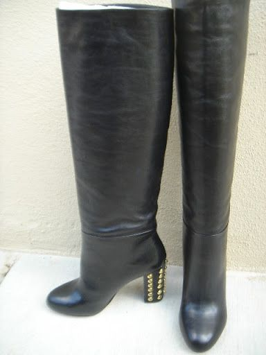 Immaculate Black leather boots by Robert Robert.   Wait until you get them home and you will  smell brand new genuine leather!!   You are purchasing a  Brand New pair of Robert Robert Ladies Black Leather  Knee High Heel Fashion boots size Eu36 Au5   Benefits:  -entire boot made of real leather (soles, uppers and lining)  -heels are stable, sturdy for walking in all day  -pull-on style  -attractively decorated heels  -full knee height  -gorgeous cream leather lining  RRP $379.95   With ...