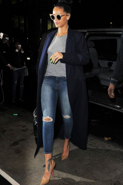 Rihanna out in London  BGKI - the #1 website to view fashionable & stylish black girls shopBGKI today