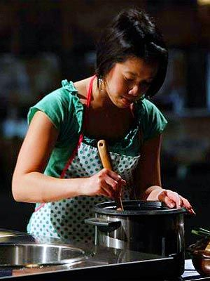 MasterChef's Christine Ha Talks About Inspiring Others - first blind contestant! still in the game!
