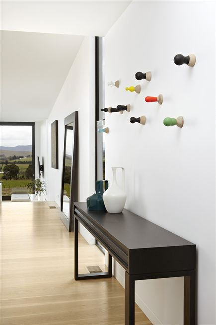 Pearl console from Zuster.