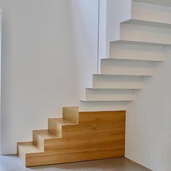 Bei der Umwandlung einer ehemaligen Werkstatt in einen modernen Wohnraum mit einem zeitgemäßen offenen Wohnkonzept wurde eine passende Treppenanlage...
