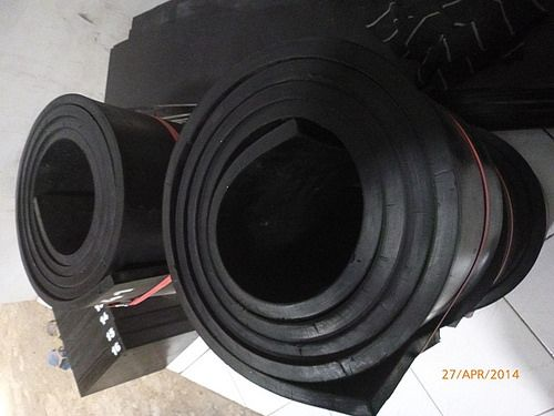 RUBBER STRIP 3000X200X15 (5)