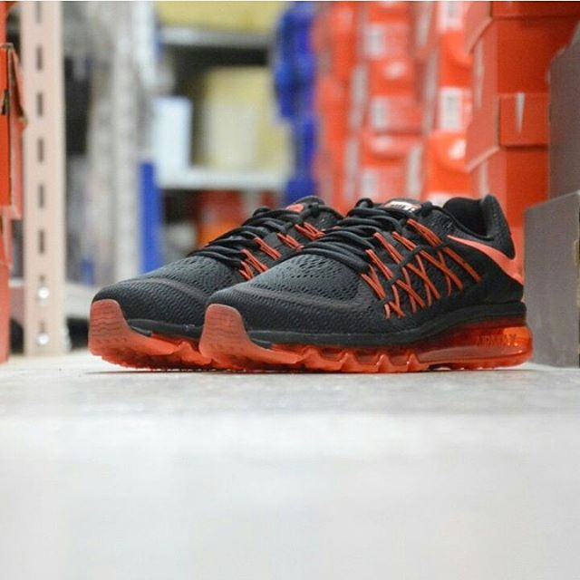 Nike Air Max 2015: Black/Orange