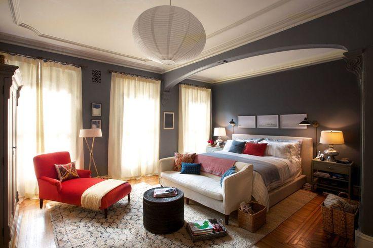 Потолки из гипсокартона для спальни (80 фото): мир комфорта и стиля http://happymodern.ru/potolki-iz-gipsokartona-dlya-spalni-80-foto-mir-komforta-i-stilya/ Стильный одноуровневый потолок в спальне в стиле модерн