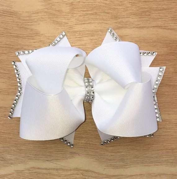 Twisted Boutique Bow Stacked Twisted Boutique por ThreeDoesBows