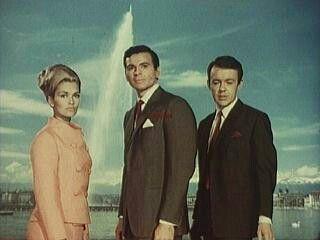 """LOS INVENCIBLES DE NEMESIS  Serie británica emitida durante los años 1968-1969, producida por la productora ITC. Unicamente se filmaron 30 episodios, pero obtuvo mucho éxito por sus grandes dosis de acción, y sus cuidados guiones. Sinopsis: Sharon MacReady (Alexandra Bastedo), Craig Stirling ( Stuart Damon) y Richard Barret (William Gaunt), son tres agentes secretos que trabajan para la central de inteligencia """"Némesis"""", asociada a las Naciones Unidas y con sede en Ginebra, y cuyo propósito…"""