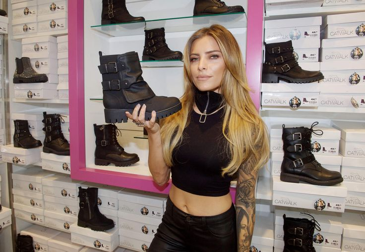 Sophia Thomalla photshoot for Deichmann