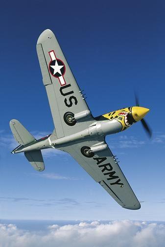 P-40   Le Curtiss P-40 Warhawk fut le troisième avion de chasse des États-Unis par la production, il était le dernier développement de la série des chasseurs Curtiss Hawk, et vola pour la première fois en 1938. Wikipédia