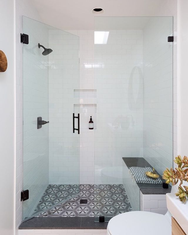 #tbt to this beauty of a shower. Still love this combo. Most amazing little aspect - that recess light is also an exhaust fan. #itsthelittlethings @amybartlam for CWS