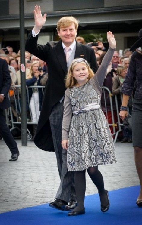 Dutch King Willem-Alexander and Crown Princess Amalia waves to the crowd during the wedding of Prince Jaime de Bourbon de Parme and Viktoria Cservenyak in Apeldoorn, The Netherlands, 05.10.13.
