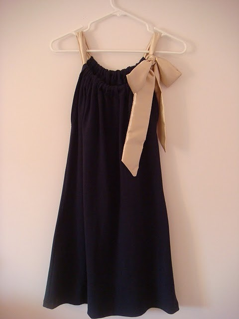 """DIY Dress...cute 2 rectangles, sew """"tube at both tops, put ribbon through, sew sides together"""