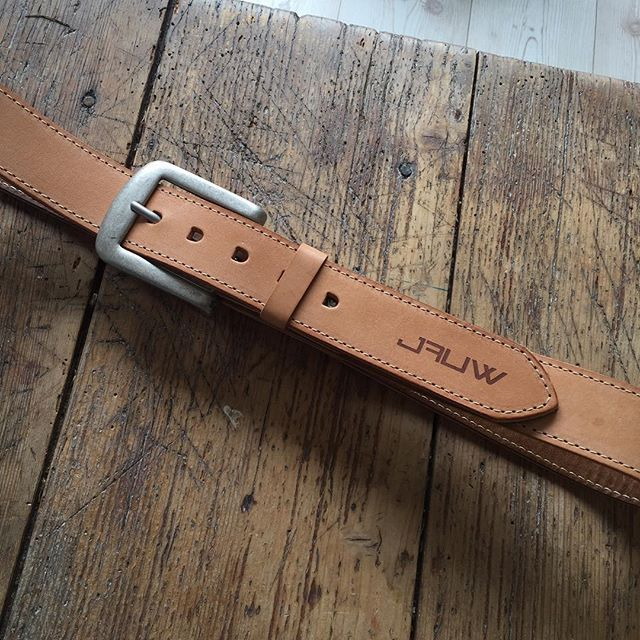 Working on a #utilitybelt for #JAUW. First step is the belt. I used a veg tanned thick leather strap lined with a soft brown leather. The logo was laser engraved into the leather.  #leathergoods #laserengraved #tools #utility #leatherbelt #dowhatyoulove #TheCrazySmile