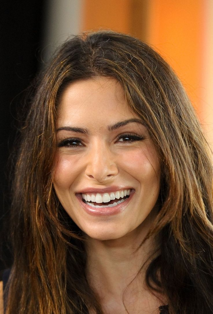 Sarah Shahi (Deep Autumn)