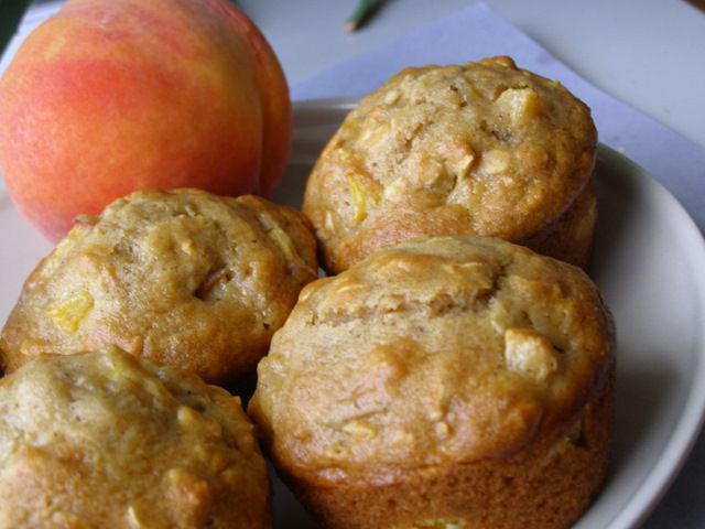 Peach-Oatmeal Muffins. A definite must make!  Pinned here and in Being Healthy