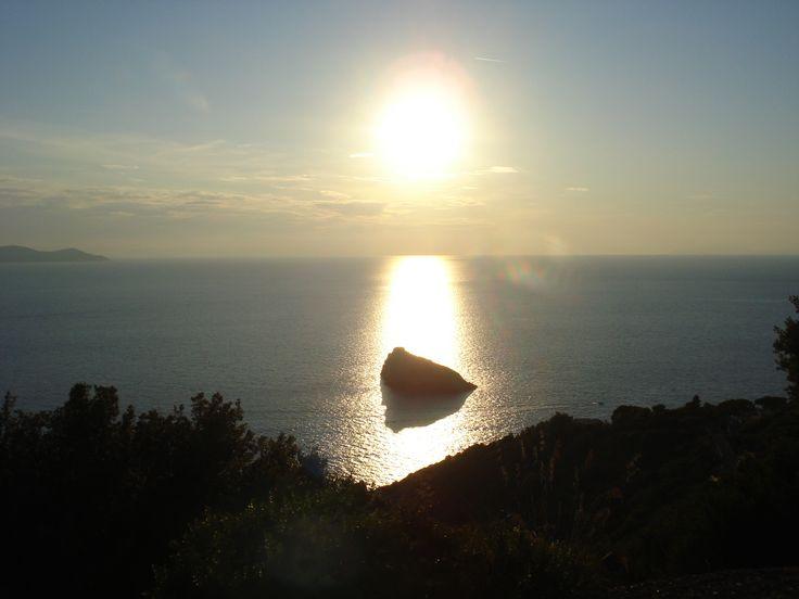 Monte Argentario, sur de Toscana, Italia puesta del sol Agosto 2015