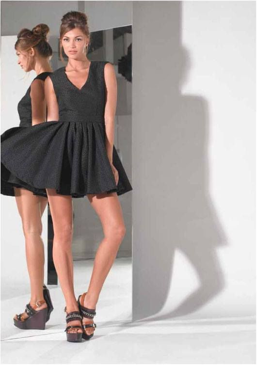 Such a #cute dress, great for that #special occasion! Available now at#Vivid! For more information -   http://on.fb.me/1bYpbsO or email us at info@vividwear.com.au .