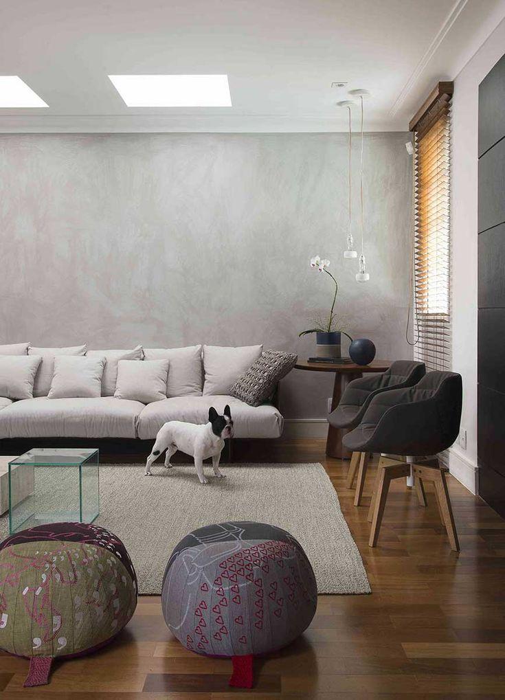 Decoração De Casa Moderna E Atemporal Com Cimento Queimado. Na Sala, Tons  Neutros,