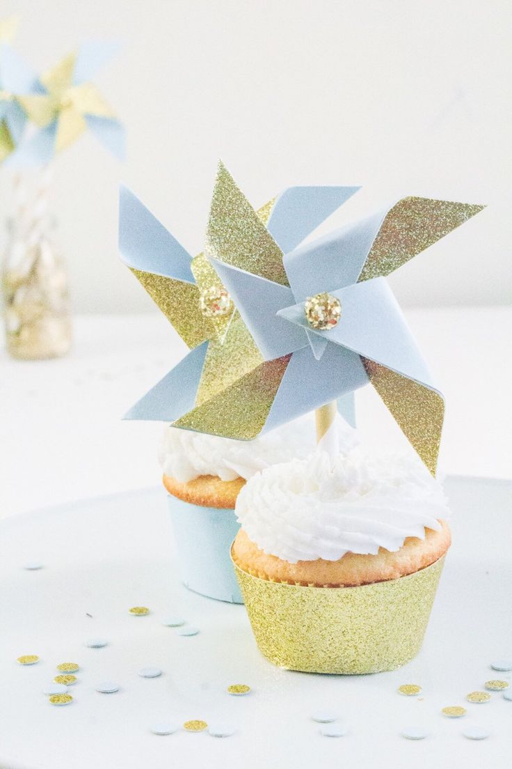 twinkle twinkle little star, twinkle twinkle little star baby shower, twinkle twinkle little star cake topper, cupcake topper, blue and gold by pompomsandpinwheels on Etsy https://www.etsy.com/listing/263294883/twinkle-twinkle-little-star-twinkle