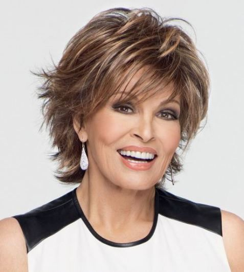 Shaggy short hairstyles for women over 50