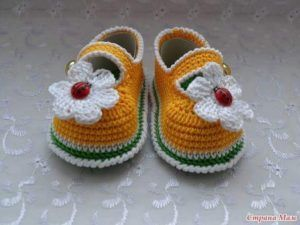 crochet-baby-shoes-15