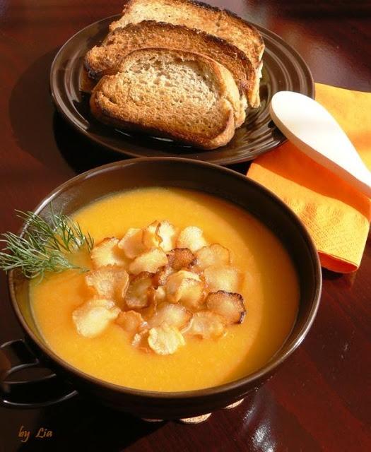 Supa crema de pastarnac cu morcovi si cipsuri