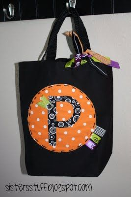 halloween trick or treat bags so cute and reuseable - Pinterest Halloween Treat Bags