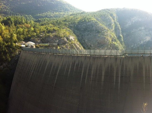 Ruperea barajului Siriu (II) / Noi amănunte privind o posibilă catastrofă la Barajul Siriu