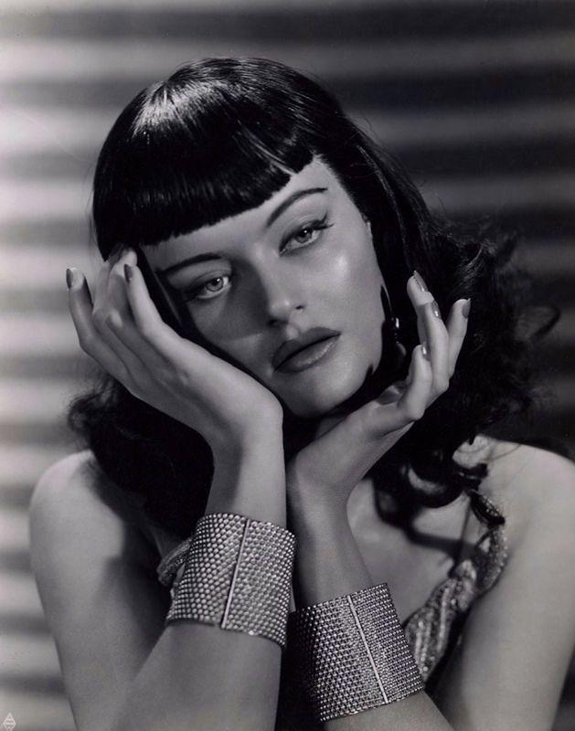 """got40s: """"Alexis Smith (née Margaret Alexis Fitzsimmons Smith), 1941 """""""