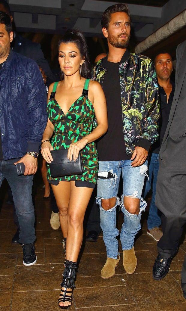 Kourtney, Khloe Kardashian Celebrate Scott Disick's Birthday in Vegas