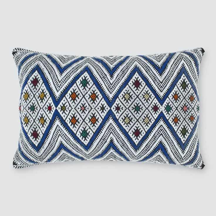 Decorative Bed Pillows Pinterest : Best 25+ Decorative bed pillows ideas on Pinterest Bed pillow arrangement, Bed styling and ...