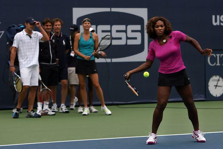 Serena Williams and Maria Sharapova Photo - Arthur Ashe Kids Day 2009