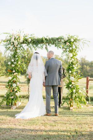 Jessica Zimmerman | Zimmerman Events | zimmermanevents.com | Jenni + Kevin | KB McElmurry Photography  #jessicazimmerman #zimmermanevents #floraldesign #florist #arch #arbor #foraged #foragedarch #weddingflowers