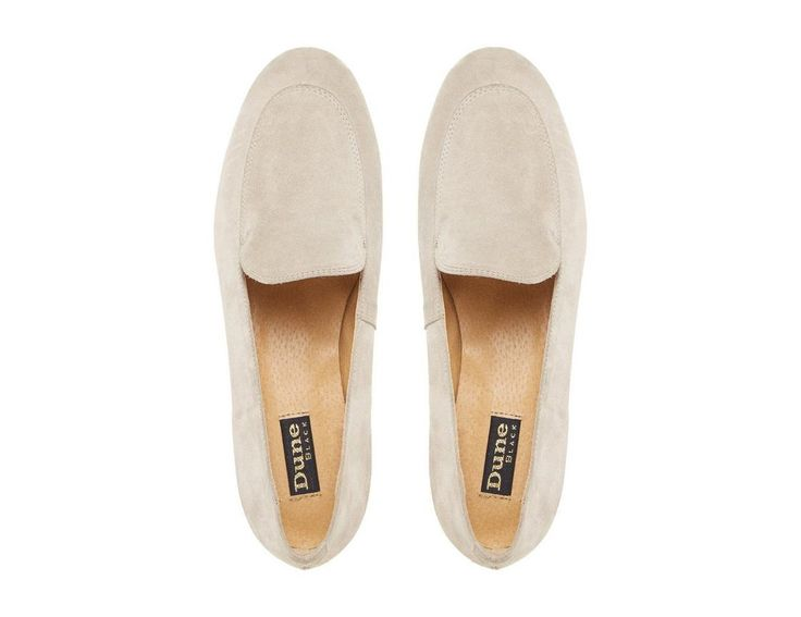 Channel classic preppy style with this elegant Globe loafer shoe. A minimalistic slip on style showcasing traditional apron stitching. Complete with a neat round toe and a low block heel.