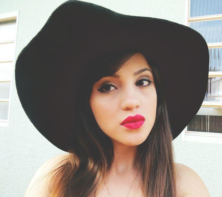 #look #ootd #floppy #goiânia #style #cute #girl, #lips #hairstyle #blogger