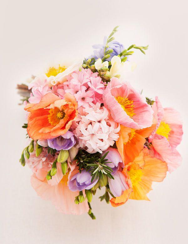 wedding-flowers-bouquet-soft-tones-colour-inspiration-1.jpg