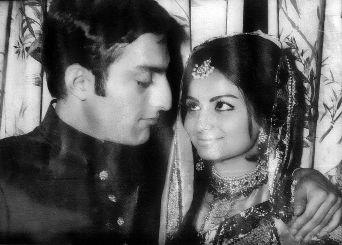 http://archive.tehelka.com/channels/Web_Specials/2011/September/22/images/TigerPataudi_SharmilaTagore.jpg